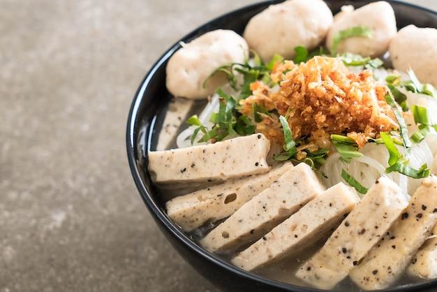 Vietnamese noodles (pho) Premium Photo