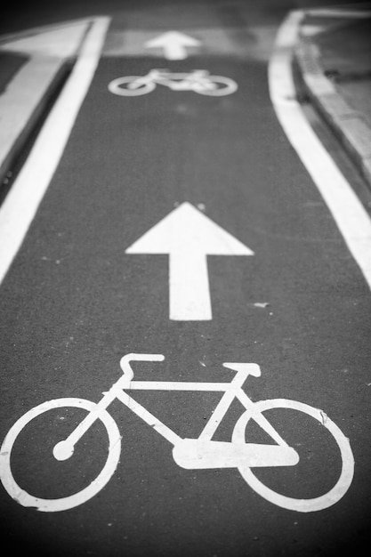View of bicycle path in milan, italy Premium Photo