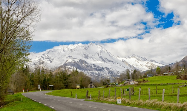 View of the french pyrenees mountains in spring time Premium Photo