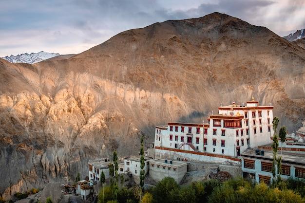 View of landscape lamayuru monastery in leh, ladakh, india Premium Photo