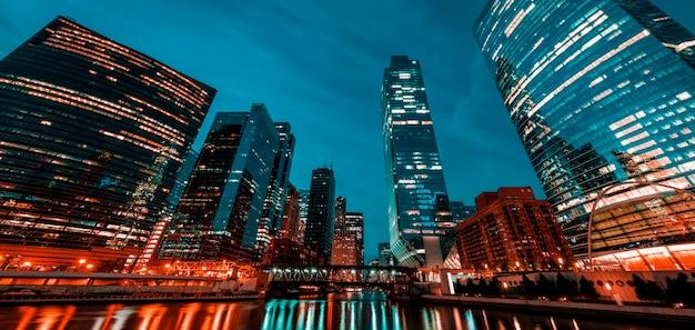 アメリカの朝のシカゴの眺め。 Premium写真