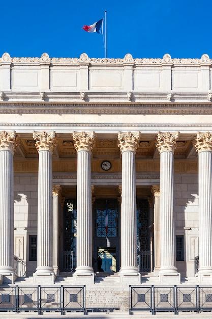 フランス、リヨンの郡庁舎の眺め 無料写真