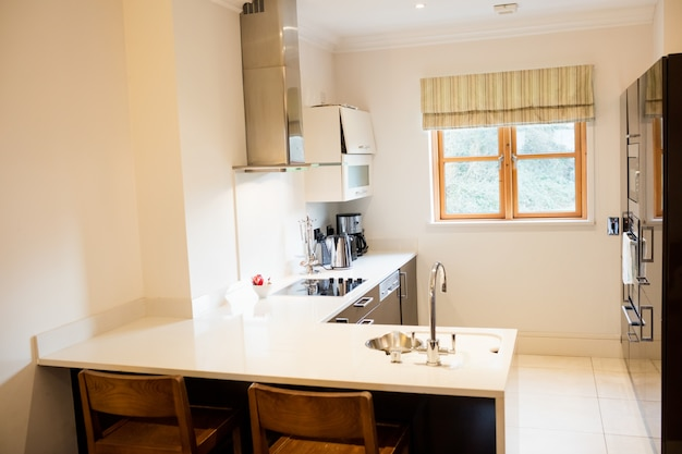 View of empty kitchen Free Photo