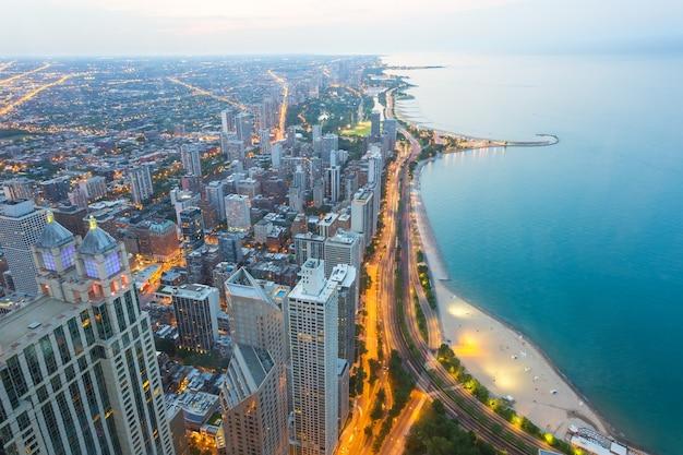 日没時のノースシカゴの眺め Premium写真
