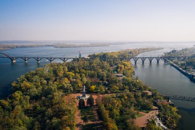 キエフのドニエプル川の眺め 無料写真