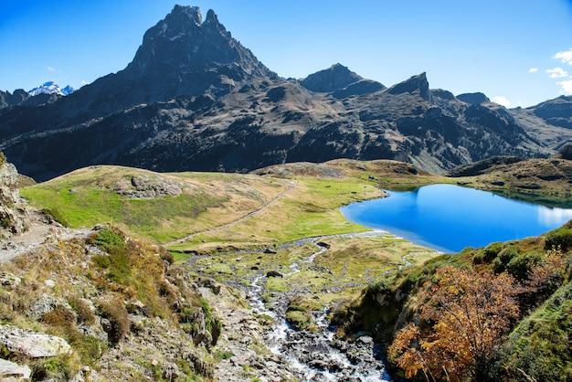 View of pic du midi ossau in autumn, france, pyrenees Premium Photo