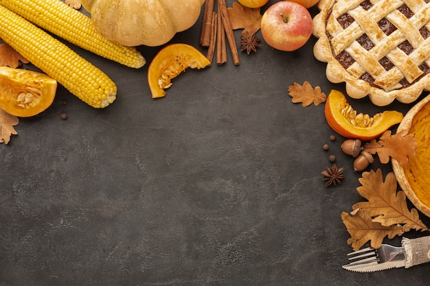 Above view pie and apples on stucco background Free Photo