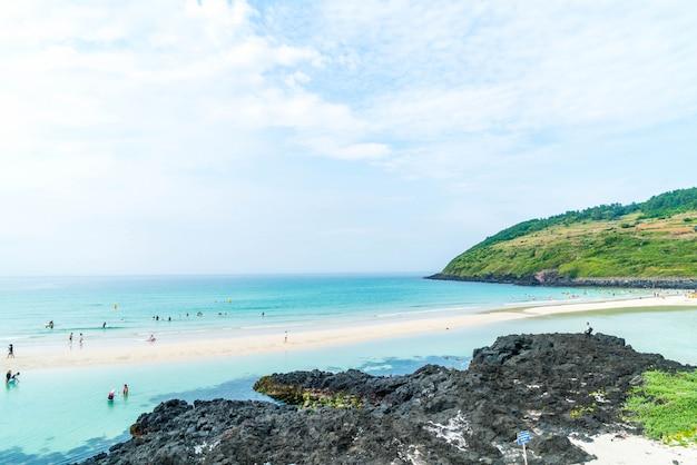 View point at hamdeok beach in jeju island. Premium Photo