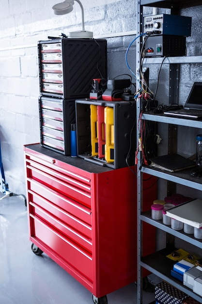 View of toolbox and machines Free Photo