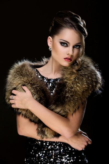 Vintage. beautiful girl wearing fur Free Photo