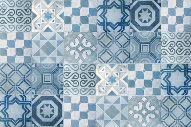 Vintage ceramic tiles wall decoration.turkish ceramic tiles wall background Premium Photo