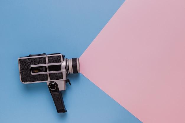 Vintage cinema videocamera Premium Photo