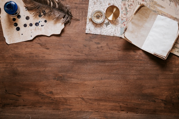 Vintage desk concept with copyspace on bottom Free Photo