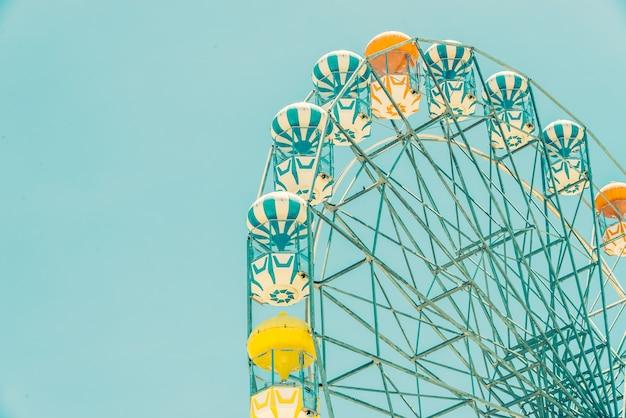 Vintage ferris wheel in the park Free Photo