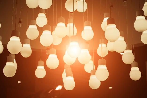 Vintage light bulbs hanging on ceiling Premium Photo
