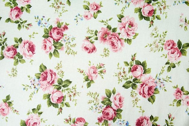 ファブリックの背景にヴィンテージのバラのパターン。 Premium写真