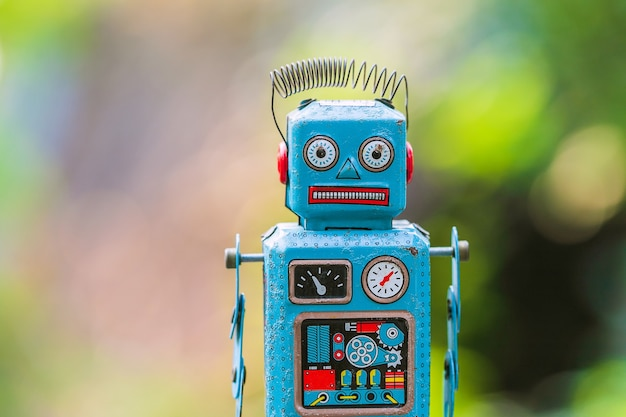 Vintage tin toy robot Premium Photo