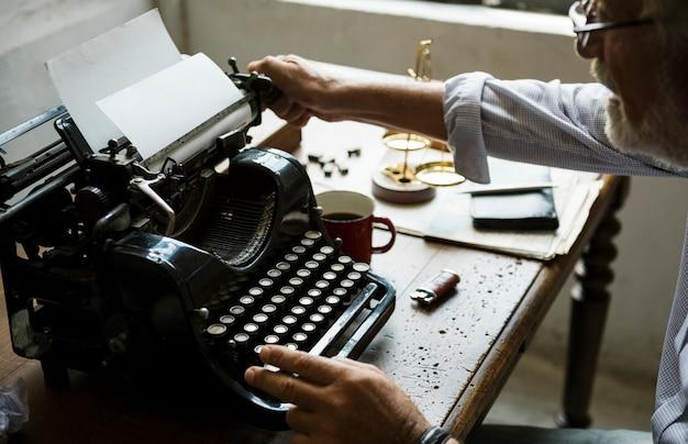 Vintage typewriter shoot Premium Photo