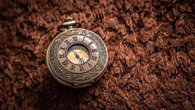 Vintage watch pendant Premium Photo