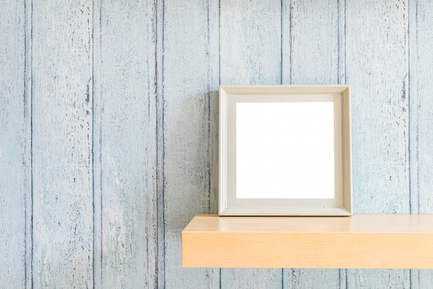 Vintage wood blank photo frame with summer concept design Free Photo
