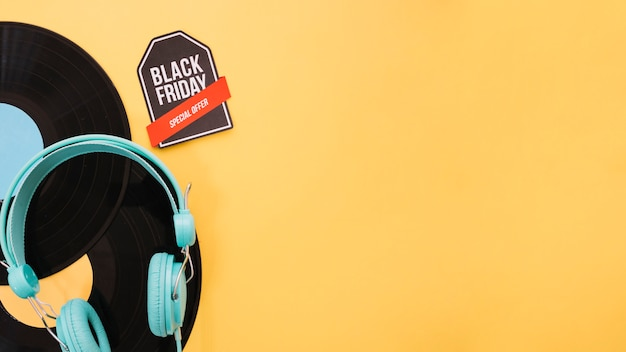 Vinyl decoration for black friday with space on right Free Photo