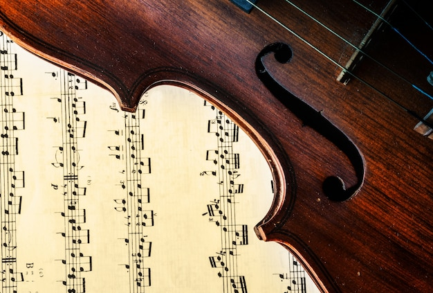 Violin with a sheet music Photo | Free Download