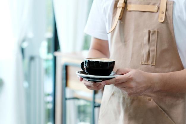 Tuyển dụng Nhân viên phục vụ quán cafe