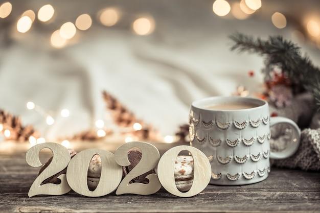 Parete festiva del nuovo anno con i numeri 2020. Foto Gratuite