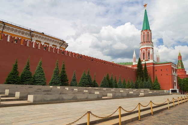 Wall of kremlin on red square in moscow. Premium Photo