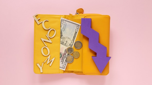 Portafoglio con soldi Foto Gratuite