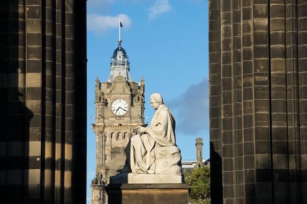 Walter scott's monument. edinburgh. scotland. uk. Premium Photo