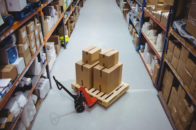 Warehouse isle with no people Premium Photo