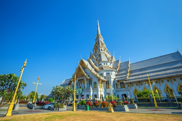 Wat sothonwararam is a buddhist temple in the historic centre and is a buddhist temple Premium Photo