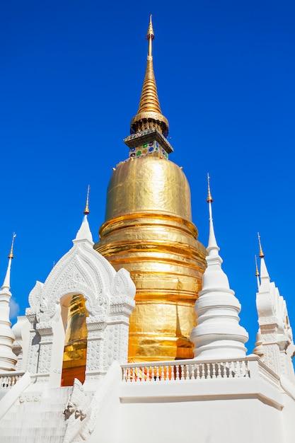 Wat suan dok temple in chiang mai in thailand Premium Photo