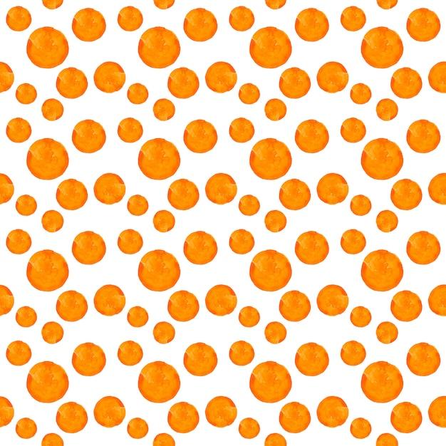 水彩の丸い汚れドットパターン。白い背景の上のオレンジ色のドットとのシームレスなパターン。手描きの抽象的な壁紙 Premium写真