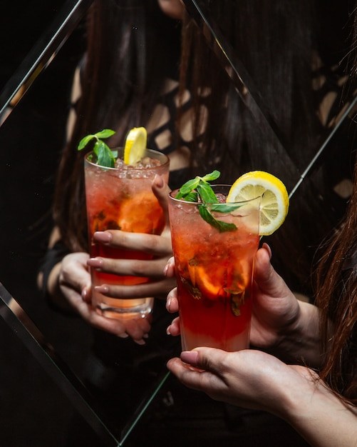 Watermelon cocktail with ice and lemon Free Photo