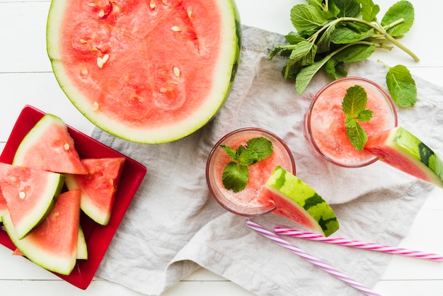 Watermelon-mint smoothies and watermelon Free Photo