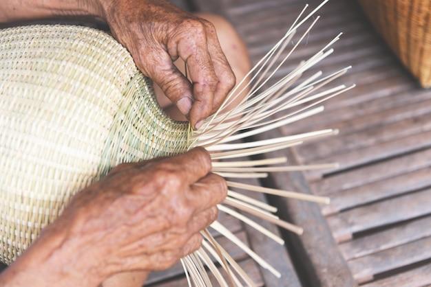 Weaving bamboo basket Premium Photo