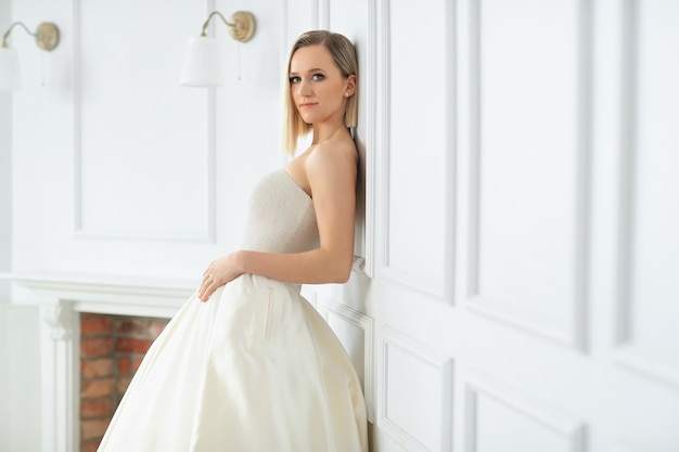 Wedding. beautiful bride in a wedding dress Free Photo