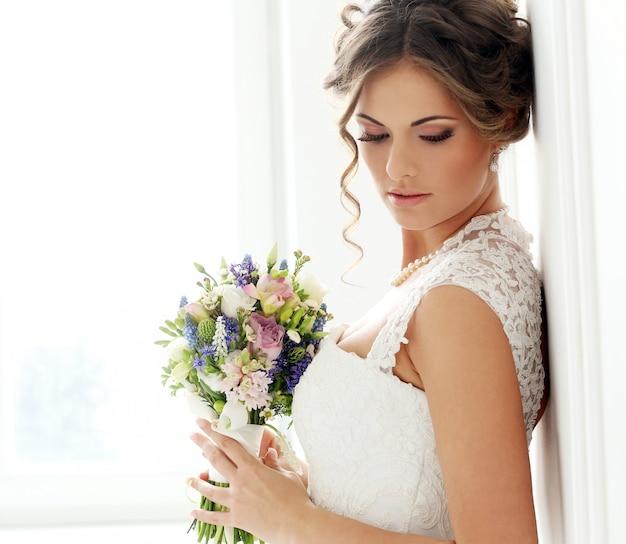 Wedding. beautiful bride Free Photo