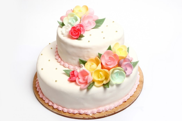 Wedding cake with color flores Free Photo