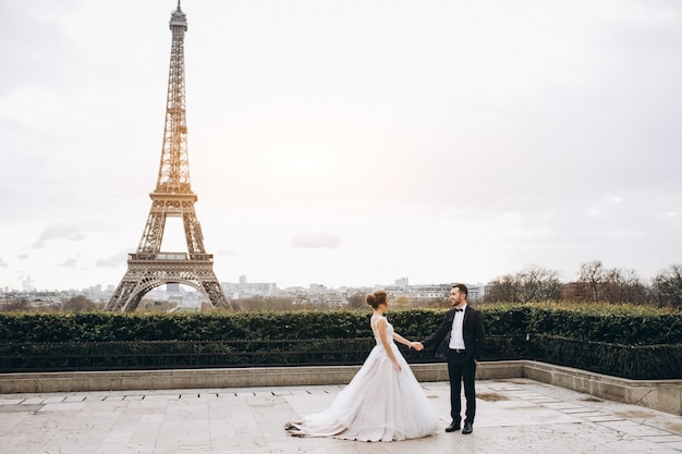 Wedding couple in france Free Photo