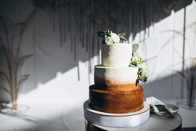 Wedding decorated dessert table in a restaurant Free Photo
