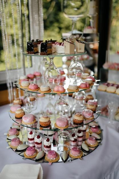 Wedding decorations. reception Free Photo