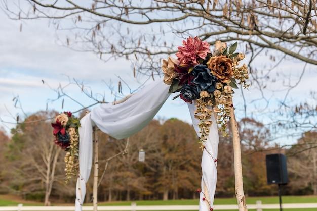 ジョージア州マディソンのサザンクロスゲストランチでの結婚式の写真 無料写真