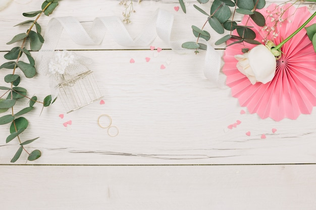 Wedding rings with flowers Free Photo