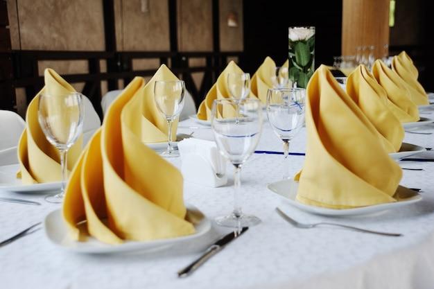 Wedding table decoration Premium Photo