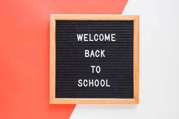 Welcome back to school lettering on board Free Photo