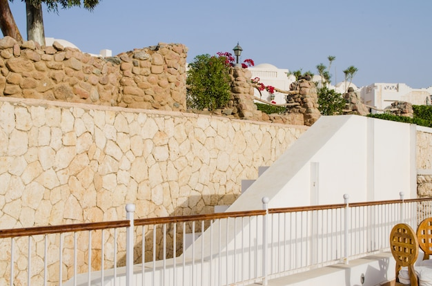 Well-groomed park territory of five star hotel. summer in sharm el sheikh. Premium Photo