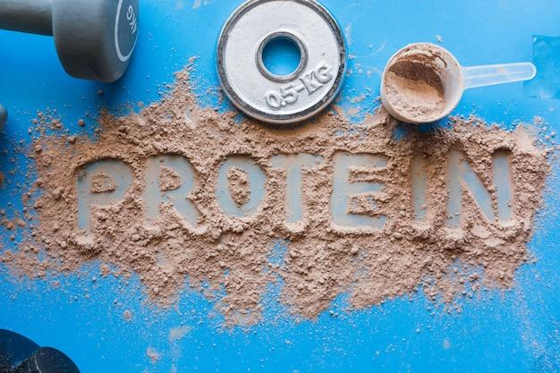 Whey protein shake with chocolate flavor. Premium Photo